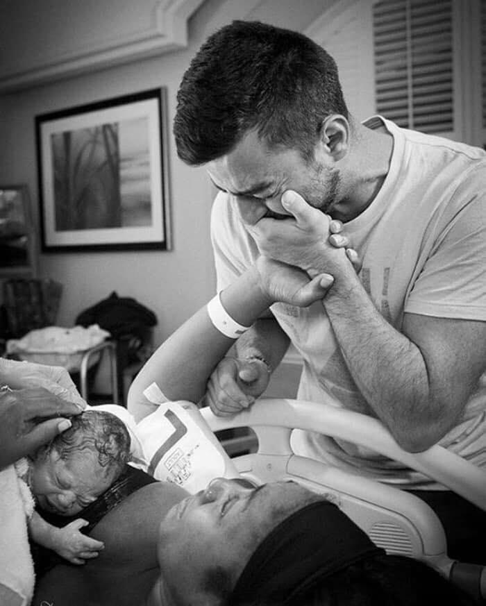 papa en salle de naissance